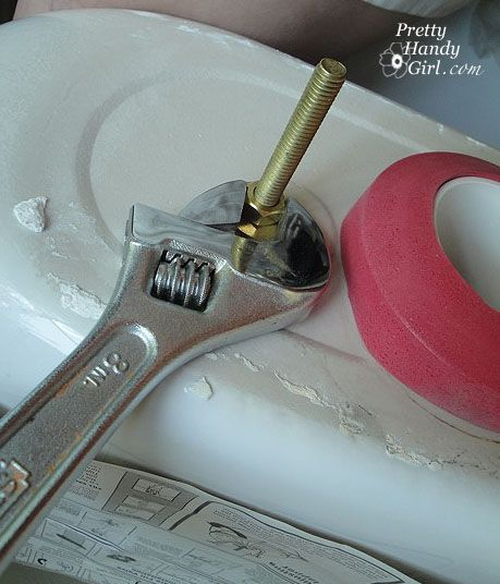 Toilet flapper repair @ Pretty Handy Girl