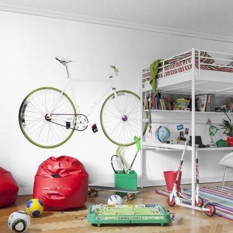 Mural a la medida Bike. Mural de papel pintado de impresión digital de una bicicleta. Tipos: Bici de paseo(1), de niño(2) y de descenso(3). Las medidas se introducen en metros y si es necesario con decimales (Ej: 1.52) Modificables en paneles de 45cm ancho Composición: Poliéster/celulosa. Muy resistente a la luz, lavable y fácil de colocar. Estampación digital.