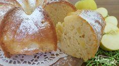 Che profumo di vaniglia e mele che sprigiona questa ciambella. Ottima per la colazione o la merenda, umida si mantiene per giorni!