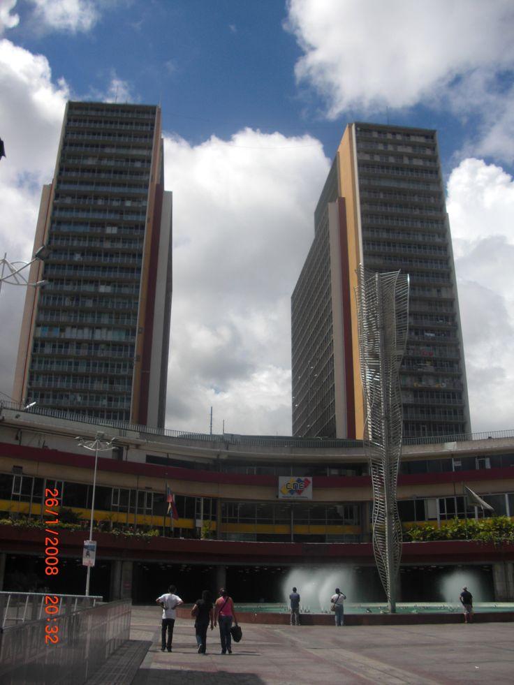 Torres El Silencio, i primi grattacieli