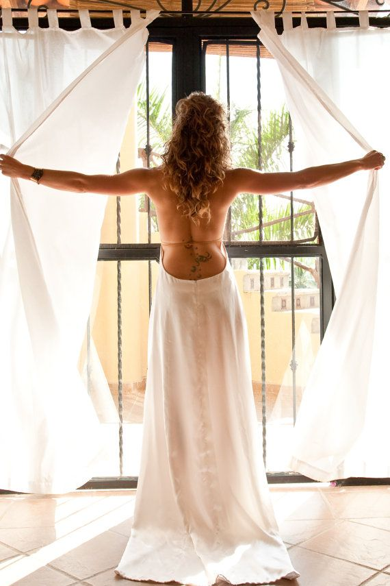 The Aphrodite by Elika In Love. A boho backless von ElikaInLove