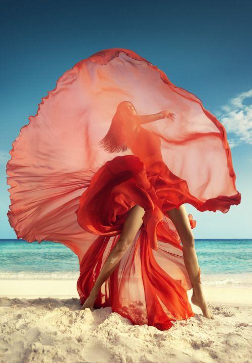 Raica Oliveira by Luis Monteiro for Vogue India March 2016 #pose...x