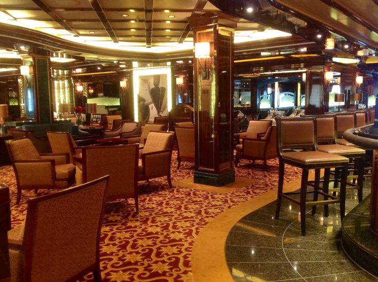 #RoyalPrincess #Cruise ship enjoy a cocktail in one of the many lounges