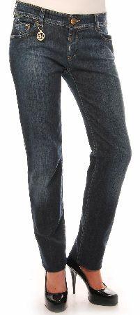 Armani Jeans Womens Slim Back Pocket Logo Armani Jeans Womens Slim Back Pocket Logo with brown leather Armani Jeans patch on the back with the Giorgio Armani emblem on the back pocket. A small Armani Jeans chain on the front of the jeans. Col http://www.comparestoreprices.co.uk/designer-clothing/armani-jeans-womens-slim-back-pocket-logo.asp