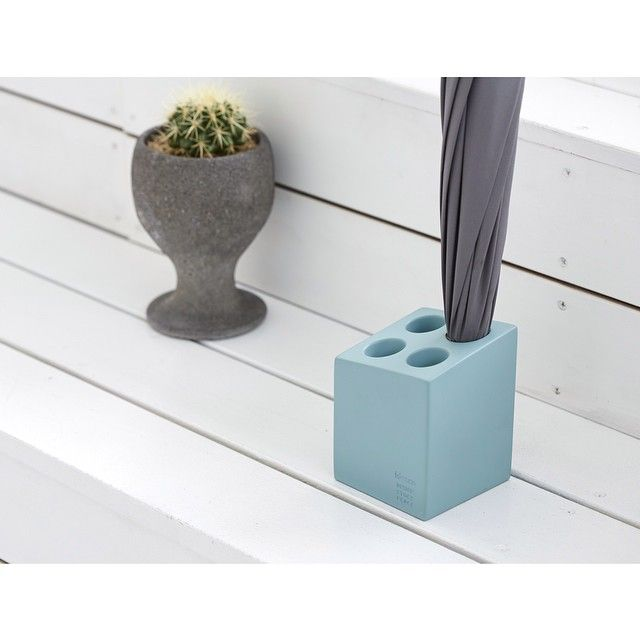 """Umbrella Stand """"mini cube""""."""