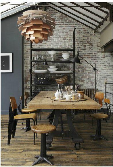 Interior design | decoration | home decor | Esprit industriel bois et métal. Industrial style dining room