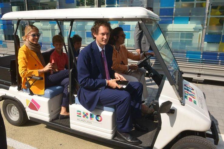 John Elkann, presidente della Fiat Chrysler, ha visitato Expo 2015 su un un nostro veicolo elettrico