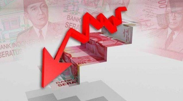 Nilai tukar rupiah terhadap dolar Amerika Serikat kembali merosot sebesar 12 poin, atau 0,09 persen dibandingkan perdagangan sehari sebelumya yang mencapai Rp13.164 pada perdagangan Kamis 12 Maret 2015 pagi.  Rupiah pun melaju ke level Rp13.176 per dolar AS dan menjadikan sebagai rekor terburuk, sejak krisis moneter yang melanda Indonesia pada 1998 dengan pencapaian Rp17 ribu per dolar AS.  Berdasarkan pantauan data Jakarta Interbank Spot Dollar Rate (Jisdor) Bank Indonesia, rupiah tembus ke…