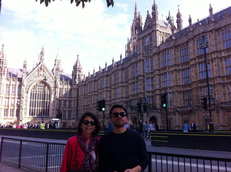 London. 20. Diego y Letty
