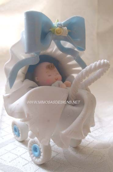 El carro de bebé de la torta - porcelana fría