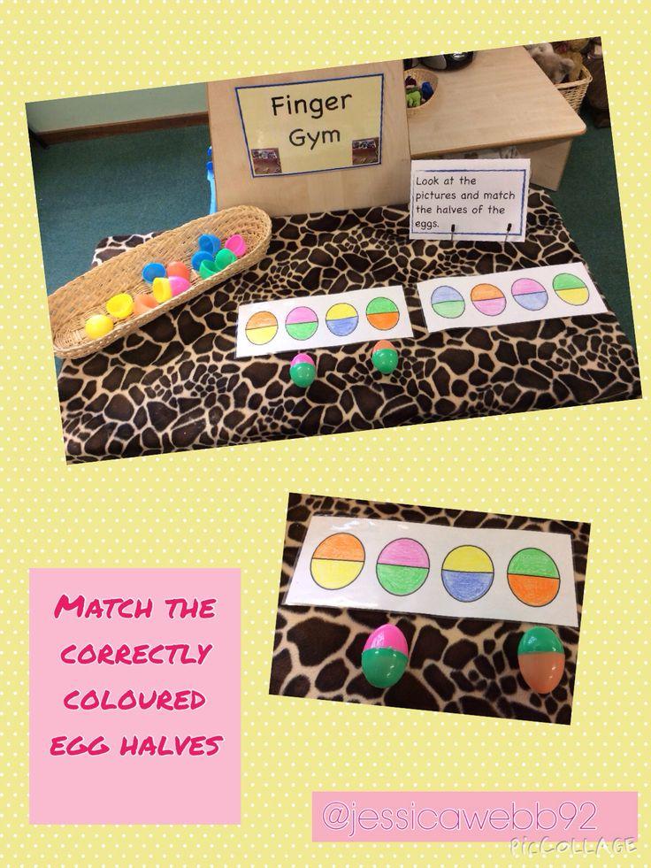 Match the correctly coloured egg halves. EYFS