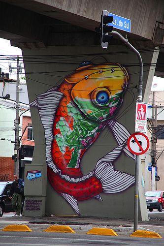 Street art 000. Laut Quelle eins von 77 Werken unterschiedlicher Künstler unter der Zugstrecke nahe der Santana-Station in São Paulo (Brasilien).