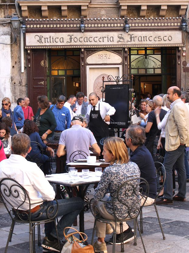 Antica Focacceria di San Francesco, Palermo on a busy Sunday in November