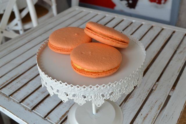 Makronka sandwich oranžová | Zákusky | Sladký MÉĎA - cukrárna trošku jinak