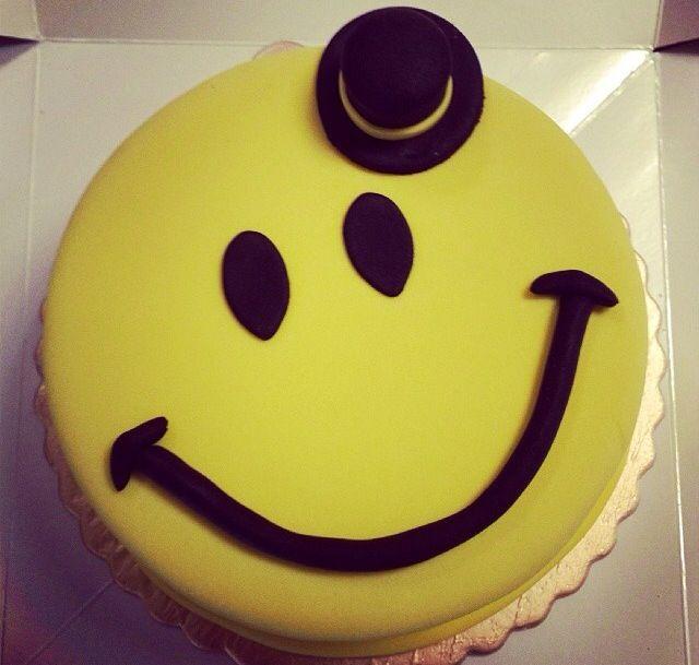 Birthday cake for men- smile- gülen surat- butik- konsept pasta- şeker hamuru