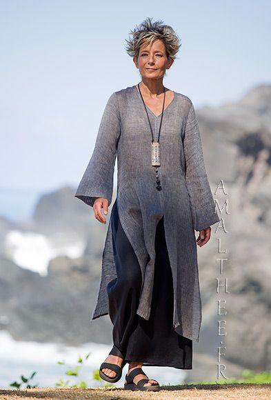 Esprit japonisant: Tunique longue Aozai en voile de lin gris ardoise, manches amples doublées sur les poignées