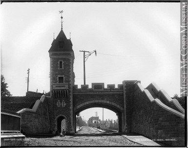 Quebec portes fortifications | Les portes de Québec en images, XIXe siècle | Patrimoine, Histoire ...