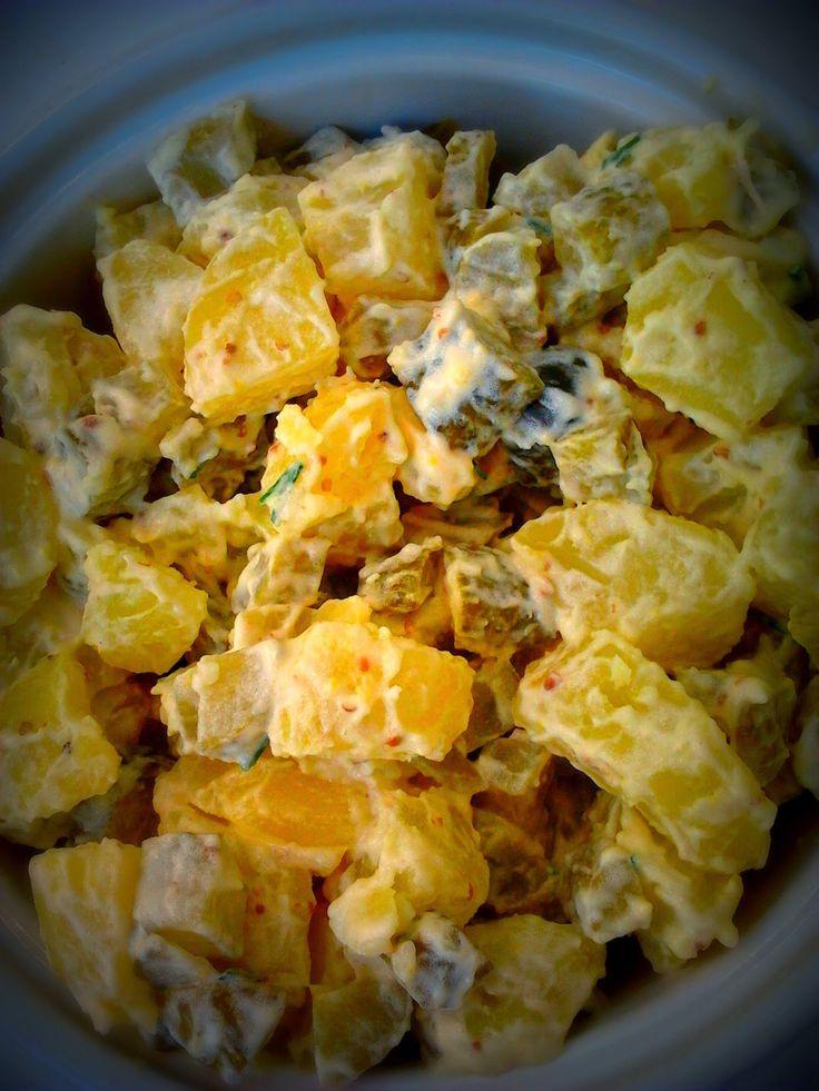 donabimby: Salada de batata, bifes de atum com sementes de sésamo, espargos assados