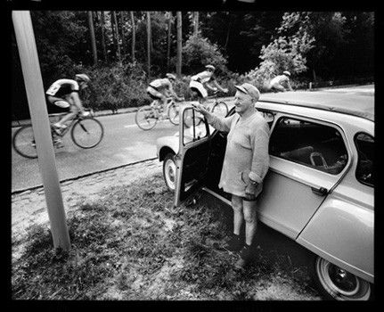Een van de mooiste foto's van Stephan Vanfleteren. Let op de auto en vooral die blote benen..