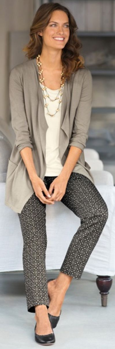 show examples of business casual outfits | outfit post: pattern skinny pants, nude blouse, grey cardigan, black ...