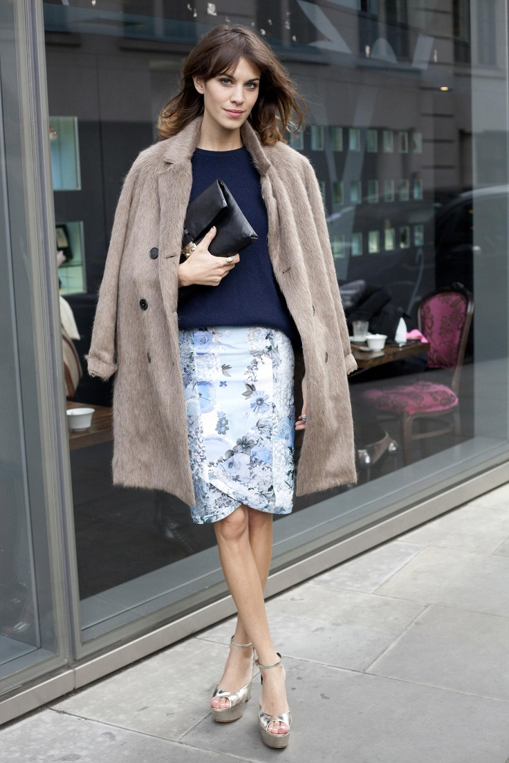 Alexa Chung should be our testimonial. And that skirt matches her navy top to perfection. P-E-R-F-E-C-T-I-O-N.