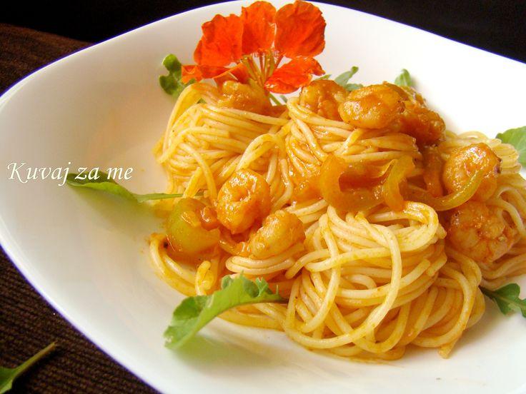 Spaghetti and prawns