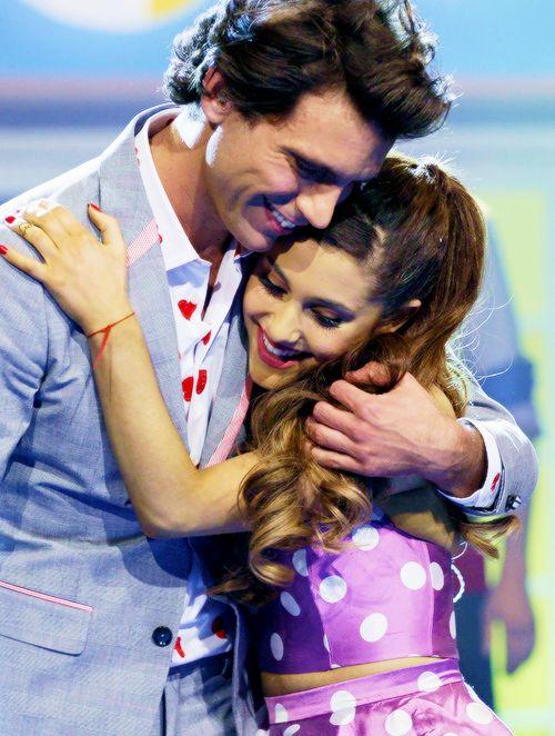 aww! Ariana Grande and Mika