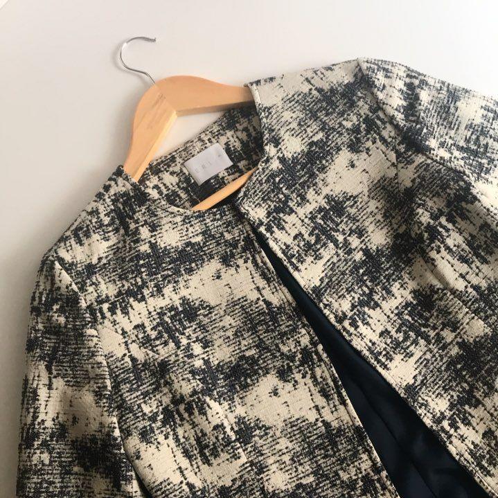 """15 Likes, 1 Comments - Erin St.® (@erinst_brand) on Instagram: """"Un día más con nuestra chaqueta NY • #erinst #erinstbrand #fashionbrand #fashion #fashiondesign…"""""""