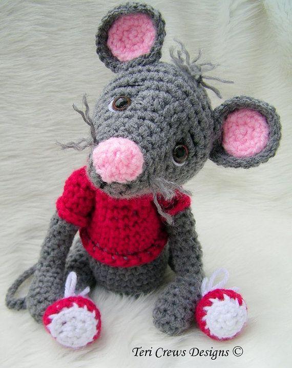 Crochet Pattern Cute Mouse by Teri Crews Wool ♡ by TeriCrewsCrochet