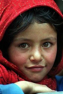 Beautiful Little Afghani Girl....reépinglé par Maurie Daboux .•*`*•. ❥