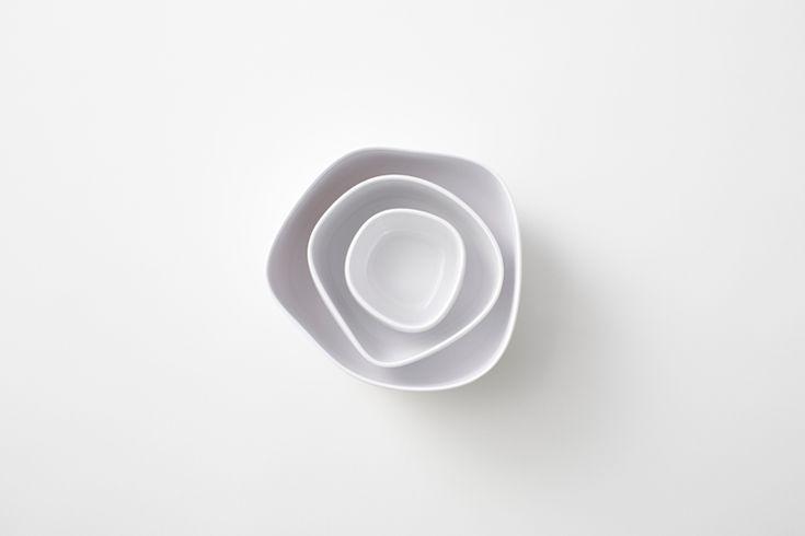 pebble bowls by nendo for italesse - designboom | architecture & design magazine