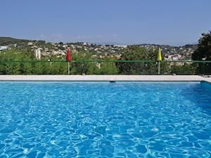 Holiday cottages to rent in Cannes | cottages.com