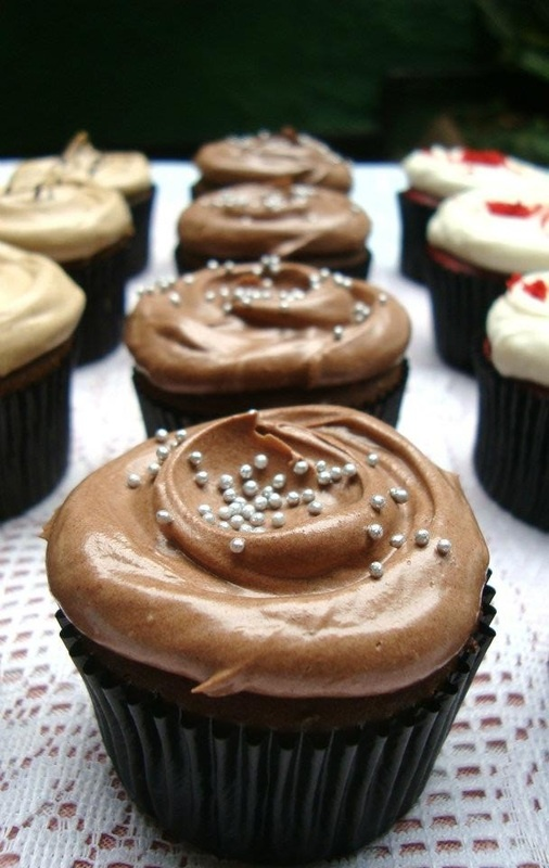 Triple Chocolate Mini Cupcakes - The Bake Bits
