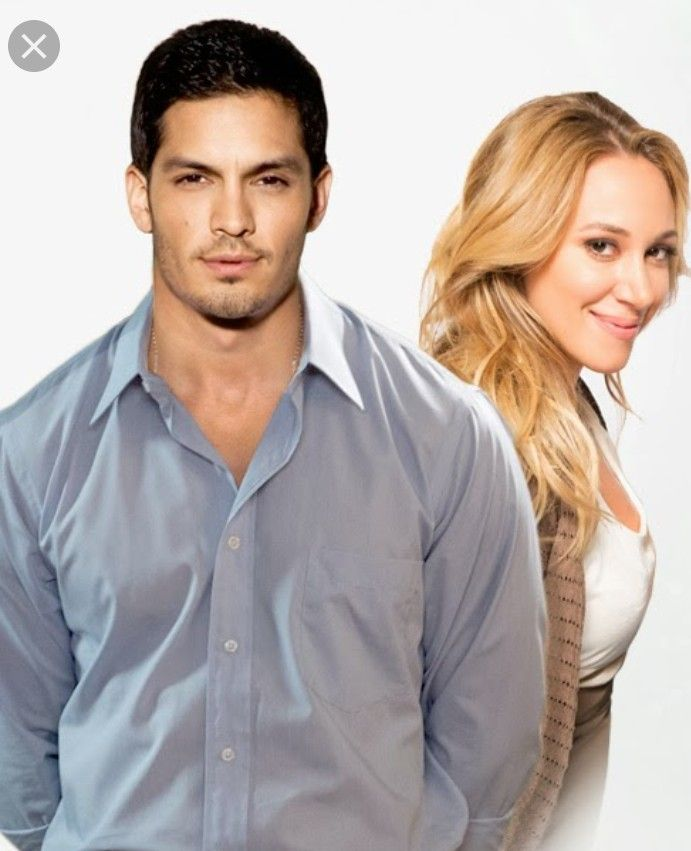 Christmas Belle Starring Haylie Duff And Nicholas Gonzalez Christmas Movies Belle Movie Great Christmas Movies