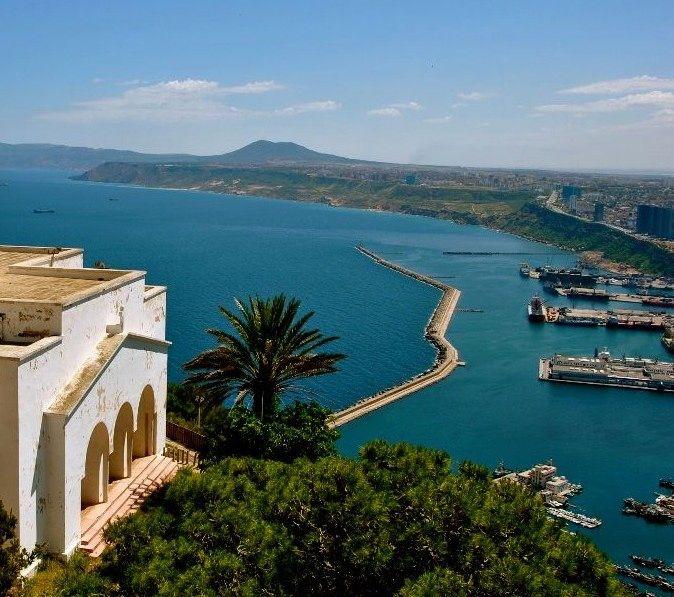 La baie d'Oran vue de Santa Cruz