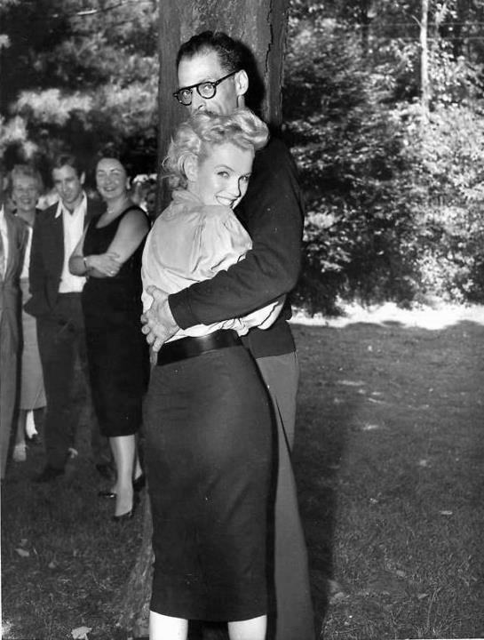 29/06/1956 La conférence de presse à Roxbury - Divine Marilyn Monroe