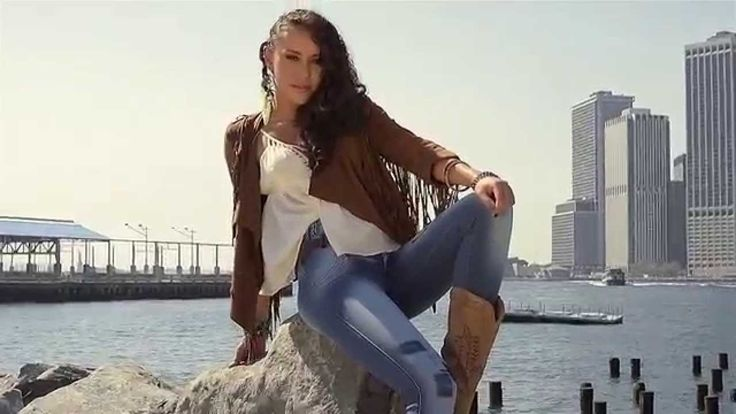 ESENCIAL JEANS Coleccion FOREVER FASHION IN NEWYORK