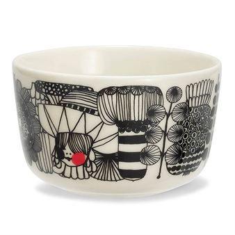 Den lilla skålen Siirtolapuutarha tillhör serien In Good Company från Marimekko, och är formgiven av Sami Ruotsalainen med dekor av Maija Louekari. I serien finns koppar, skålar, tallrikar och tekannor i stilsäker, tidlös design. Originalmodellen utan dekor heter Oiva.