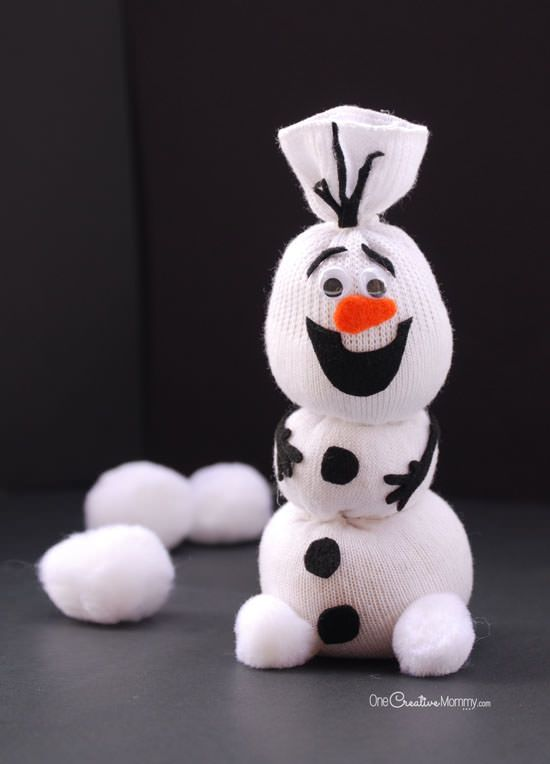 Do You Want To Build a Snowman? {Olaf Sock Snowman Tutorial from OneCreativeMommy.com} Frozen Birthday Party  & Snowman Craft for Kids