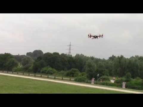 Piet und Meiner Eine mit Quadrocoptern X550