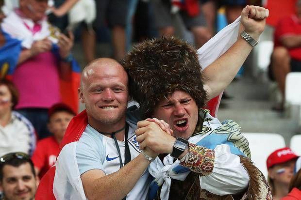 Ribut di Luar, Adem di Dalam Stadion  http://soccer.sindonews.com/pialaeropa/read/1115956/200/ribut-di-luar-adem-di-dalam-stadion-1465675980  #EURO2016 #PialaEropa2016 #SINDOnewsEURO2016