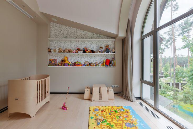 Дизайн детской комнаты от студии U-Style. Натуральные материалы и естественный свет являются ключом к красоте этого интерьера.