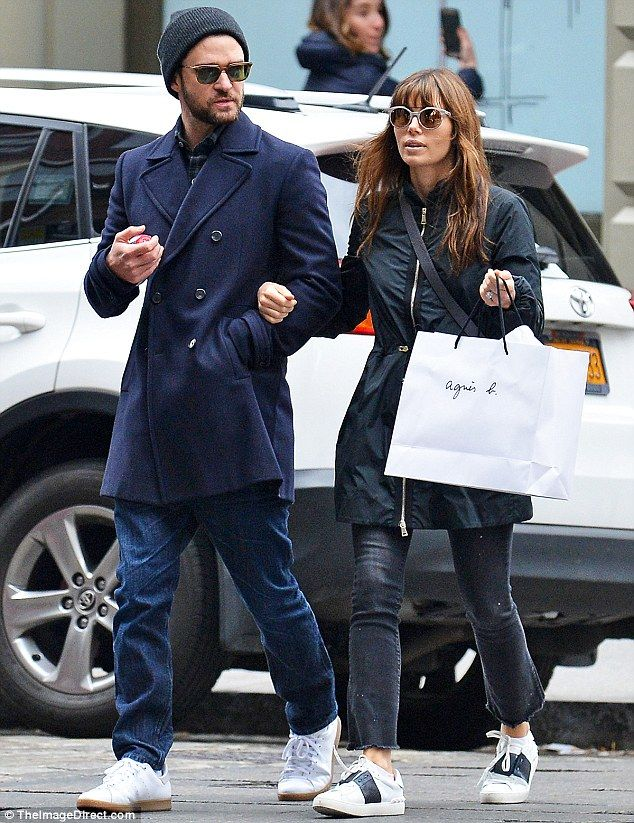 659d77ad857 ... Celebrity Feet · Justin Timberlake Justin Timberlake and Jessica Biel  wrap up warm with cute son Silas ...