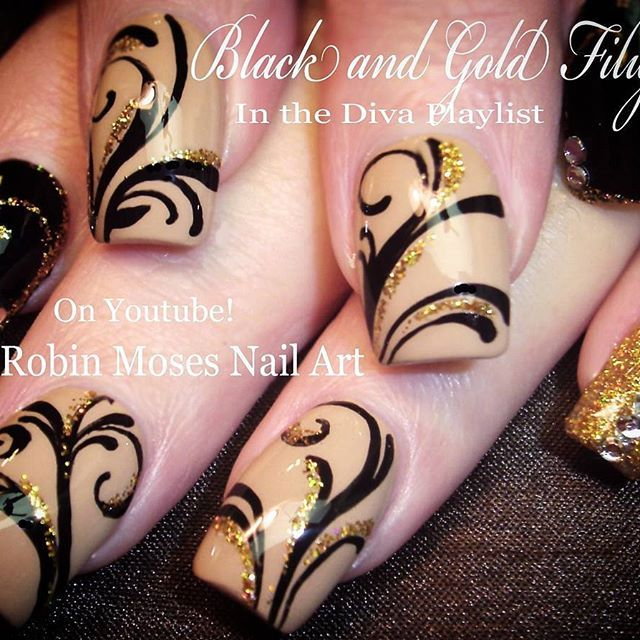 #elegantnails for Xmas linked in bio. Love you guys. ♥♥♥♥