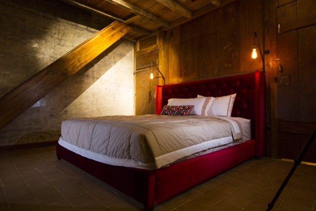 Red Velvet Bedroom in Roemah Peranakan Bali