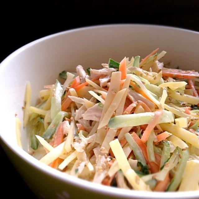 ポテトサラダが嫌いな娘! マヨネーズがあまり好きではないので…。 野菜が大好きだから、こんなサラダにしてみました。 以前、働いていたとこで、こんな献立があったのを思い出して、作ってみました(●´ー`●) - 22件のもぐもぐ - じゃがシャキッサラダ by chihru
