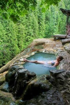 Accessible all year round, Umpqua Hot Springs – which is also sometimes known as Toketee Hot Springs – features three gorgeous hot pools located in breathtaking scenery above the North Umpqua River. The view of Surprise Falls from the relaxing pools is si