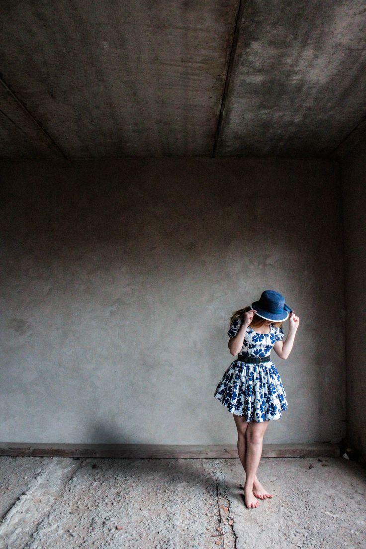 abandon house , places, photoshoot, photography ,model