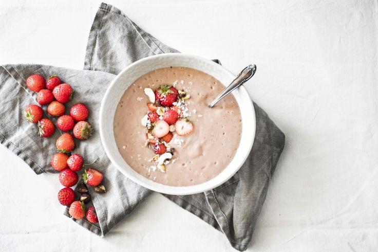 Erdbeere Pudding, geröstete Haselnüsse + Sommer Highlights - vollmundig