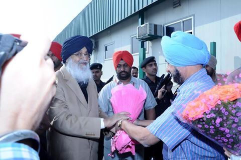 CM Parkash Singh Badal visited the plant of PAGRO Frozen Foods and had detailed interaction with the management of the plant, progressive farmers and vegetable cultivators. #AkaliDal #ProgressivePunjab #ParkashSinghBadal